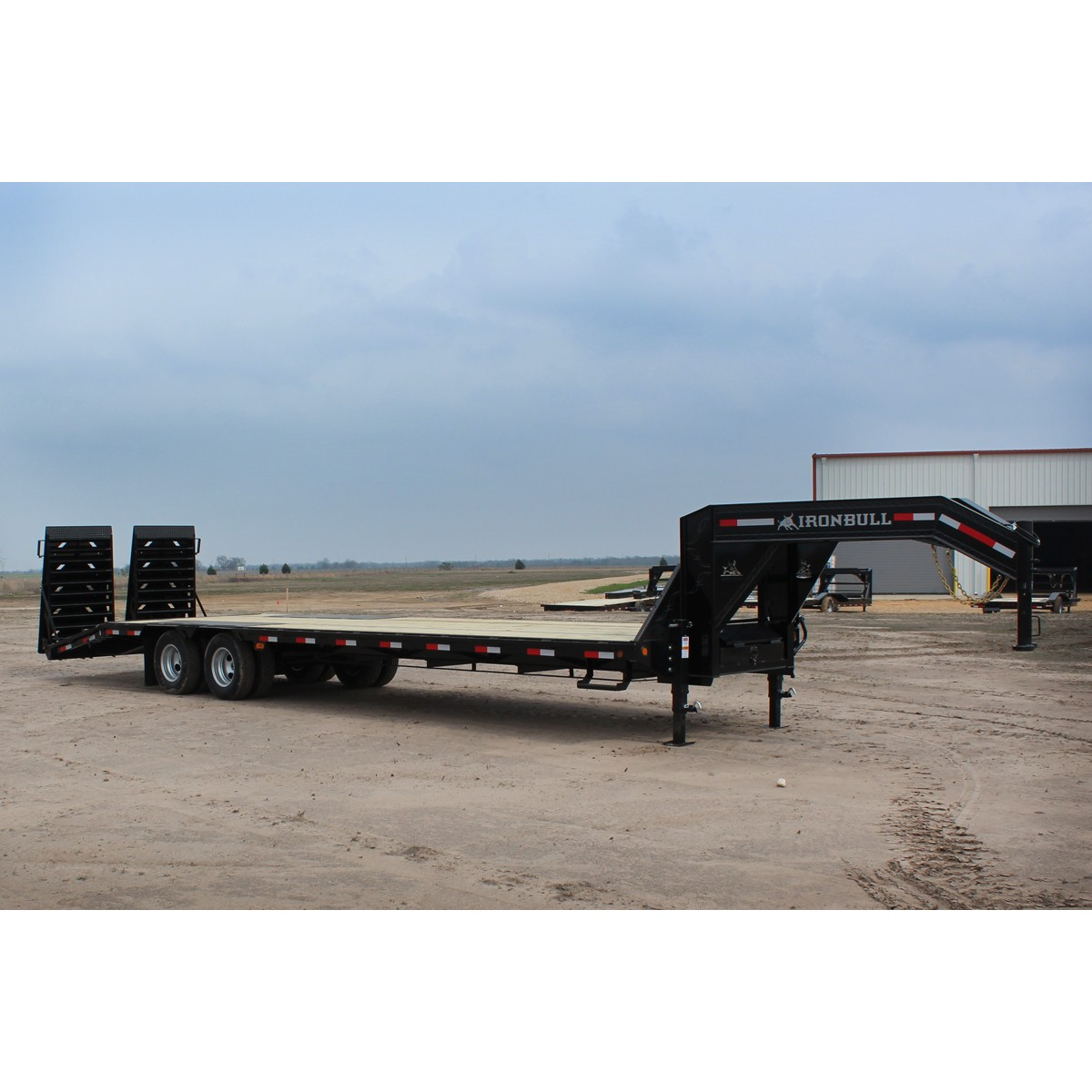 New 32 Iron Bull Low Profile Gooseneck Tandem Dual Double Car Trailer 24 Foot Flatbed Trailers
